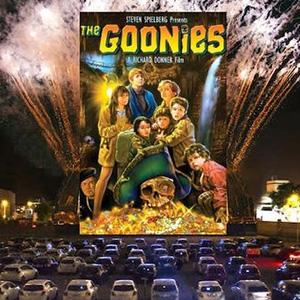 Drive-in movie att the Petaluma Fairgrounds